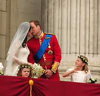 BREAKING NEWS - Kate and William: Duchess pregnant, palace says<br /> <br /> The Duchess of Cambridge is expecting a baby, St James's Palace has announced.<br /> <br /> Members of the Royal Family and the duchess's family, the Middletons, are said to be delighted.<br /> <br /> People:  Prince William  Princess Catherine