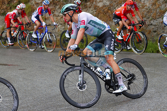 The peloton including Lukas Postlberger (AUT) Bora-Hansgrohe during Stage 1 of Tour de France 2020, running 156km from Nice Moyen Pays to Nice, France. 29th August 2020.<br /> Picture: Bora-Hansgrohe/BettiniPhoto | Cyclefile<br /> All photos usage must carry mandatory copyright credit (© Cyclefile | Bora-Hansgrohe/BettiniPhoto)
