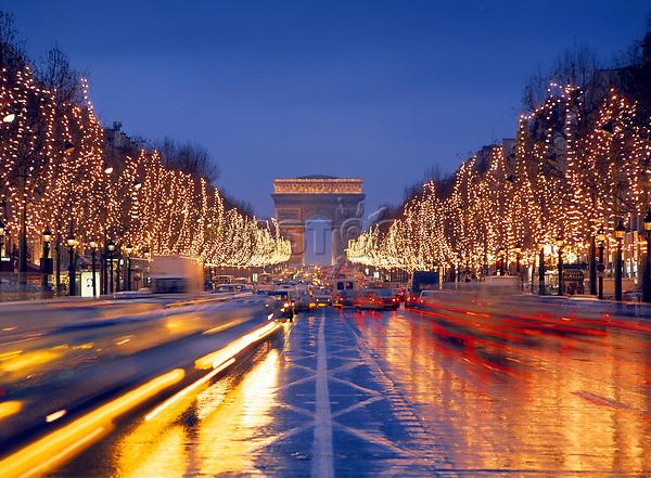 France, Ile-de-France, Paris, Champs Elysées, Arc de Triomphe, Champs-Élysées, Ville de Paris, Christmas time