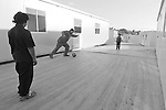 rom zingari nomadi Nomads forced to move from a refugee camp to another, Sassari, Italy.<br /> Una comunità di nomadi costretti a spostarsi da un campo nomadi ad un altro, Sassari, Italia