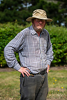 BNPS.co.uk (01202 558833)<br /> Pic: MaxWillcock/BNPS<br /> <br /> Robin Edmonds has started to wear a hat to protect himself.<br /> <br /> A homeowner is at his wits end after being repeatedly attacked by violent seagulls.<br /> <br /> Robin Edmonds was forced to flee for cover from the 'vindictive' bird that dive-bombed him as he left his home.<br /> <br /> The 49-year-old has been left in fear about going outside and has even bought a special hat to protect him.