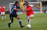 BOGOTÁ- COLOMBIA, 01-09-2019:Paola Sánchez (Der.) jugadora del Independiente Santa Fe femenino   disputa el balón contra  Millonaros femenino durante partido por los cuartos de final  de la Liga Águila  femenina  2019 jugado en el estadio Nemesio Camacho El Campín  de la ciudad de Bogotá. /Paola Sanchez (R) player of Independiente Santa Fe women´s fights for the ball  against of  Millonarios women´s during the match for the quarter finals of the Liga Aguila II 2019 played at the Nemesio Camacho El Campin  stadium in Bogota city. Photo: VizzorImage / Felipe Caicedo / Staff