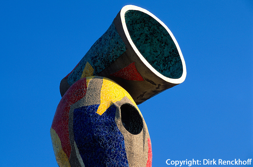 Plastik Donna i Ocell von Joan Miro im Parc Miro, Barcelona, Spanien