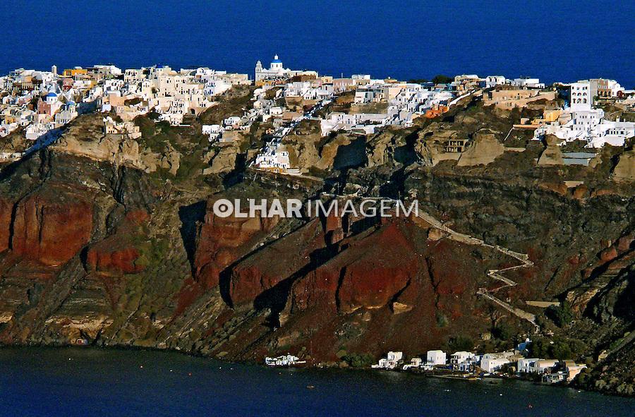 Casas na Ilha de Santorini. Grécia. 2007. Foto de Rogério Reis.