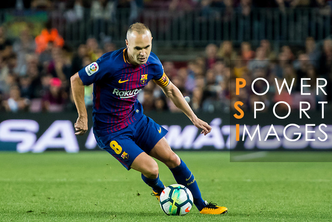 Andres Iniesta Lujan of FC Barcelona in action during the La Liga 2017-18 match between FC Barcelona and Malaga CF at Camp Nou on 21 October 2017 in Barcelona, Spain. Photo by Vicens Gimenez / Power Sport Images