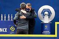 Joie des joueurs du LOSC brandissant le trophee Hexagoal du vainqueur du championnat de France de Ligue 1 saison 2020 / 2021<br /> Olivier Letang - President Directeur General du LOSC<br /> Christophe Galtier - entraineur (Losc) <br /> 24/05/2021<br /> Celebration of LOSC Lille champions of France <br /> Calcio Ligue 1 2020/2021<br /> Foto JB Autissier/Panoramic/insidefoto <br /> ITALY ONLY