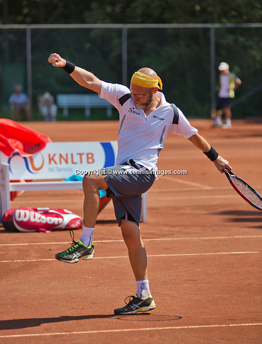 Netherlands, Amstelveen, August 23, 2015, Tennis,  National Veteran Championships, NVK, TV de Kegel,  Final men's 40+, Jeroen Bok celebrates his win<br /> Photo: Tennisimages/Henk Koster
