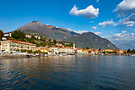 Italien, Lombardei, Menaggio: beliebter Urlaubsort mit der Propsteikirche Santo Stefano an der Westkueste des Comer Sees, von hier besteht eine Faehrverbindung nach Bellagio und Varenna | Italy, Lombardia, Menaggio: popular resort with Provost church Santo Stefano on the West Banks of Lake Como