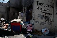 SÃO PAULO, 05 DE JANEIRO DE 2012 - CRACOLANDIA - NOVA LUZ - Terceiro dia da Operação da Policia Militar em conjunto com a prefeitura de São Paulo realizam na tarde desta quinta-feira (05) a retirada dos usuarios de crack  da cracolandia na região da Luz em São Paulo. (FOTOS: AMAURI NEHN/NEWS FREE)