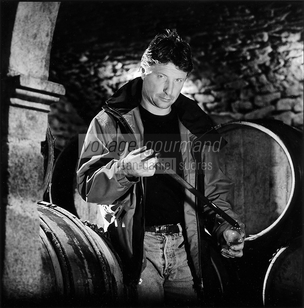 Europe/France/Bourgogne/Saône-et-Loire/Mailly: Jean-Claude Berthillot, viticulteur, Vins du Brionnais- Appellation Vins de Pays de Saone Auto N:306