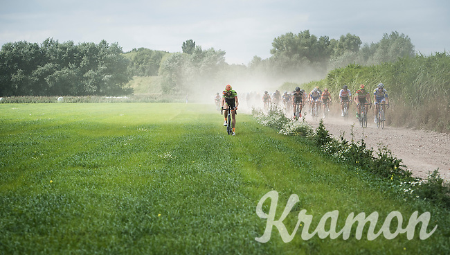 when racing in the field is faster then on the course... #off-roading<br /> <br /> 91th Schaal Sels 2016