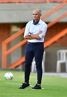 ENVIGADO - COLOMBIA, 02-02-2021: José Arastey técnico de Envigado gesticula durante partido por la fecha 4 entre Envigado y Jaguares de Córdoba como parte de la Liga BetPlay DIMAYOR 2021 jugado en el estadio  Polideportivo  Sur  de Envigado. / Jose Arastey coach of Envigado gestures during Match for the date 4 between Envigado and Jaguares de Cordoba as part of the BetPlay DIMAYOR League I 2021 played at Polideportivo Sur stadium in Envigado. Photo: VizzorImage / Luis Benavides / Contribuidor