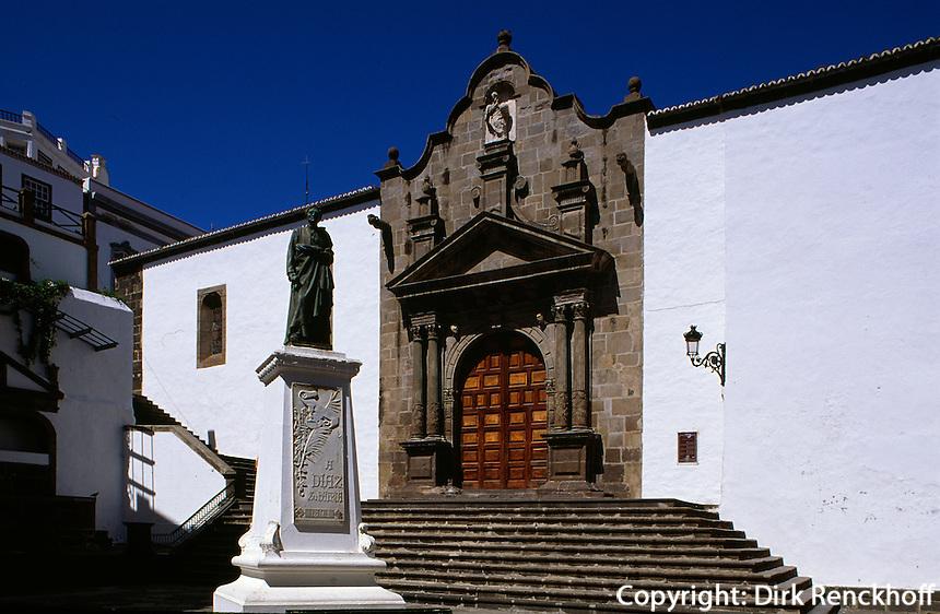 Spanien, Kanarische Inseln, La Palma,  San Salvador an der Plaza Espana, Denkmal Diaz
