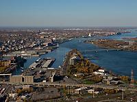 aerial photograph of Cite du Havre, Montreal, Quebec, Canada | photographie aérienne de la Cité du Havre, Montréal, Québec, Canada