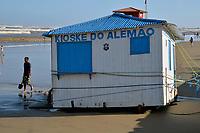 TRAMANDAI, RS, 06/02/2021 - RESSACA – LITORAL – Forte ressaca do mar destrói quiosques e gera transtornos com ondas altas e o avanço da água na beira da praia, devido à ocorrência de um ciclone extratropical que atinge o oceano, na praia de Tramandaí, no Litoral Norte gaúcho, neste sábado (6).
