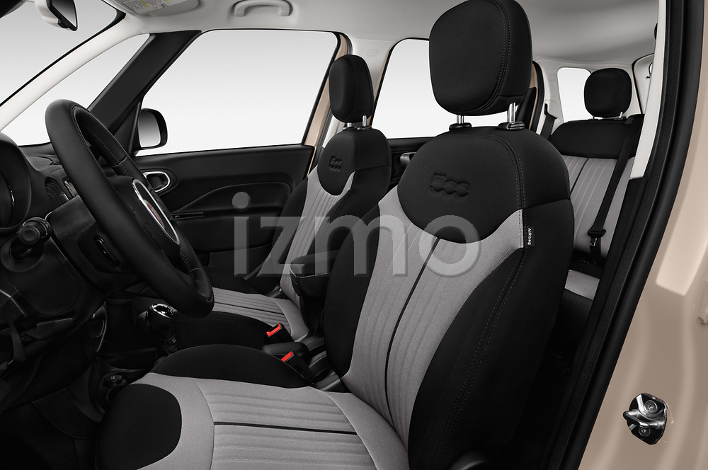 Front seat view of 2016 Fiat 500L Trekking 5 Door Mini MPV Front Seat  car photos