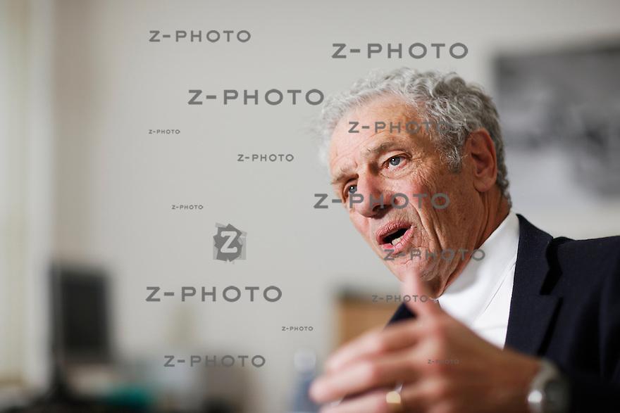 Portrait und Interview mit Dr. Klaus Oesch, Praesident des Verwaltungsrates der Orell Fuessli Holding AG im Hauptsitz an der Dietzingerstrasse 3 in Zuerich, am Freitag 19.04.12 ..Copyright © Zvonimir Pisonic..