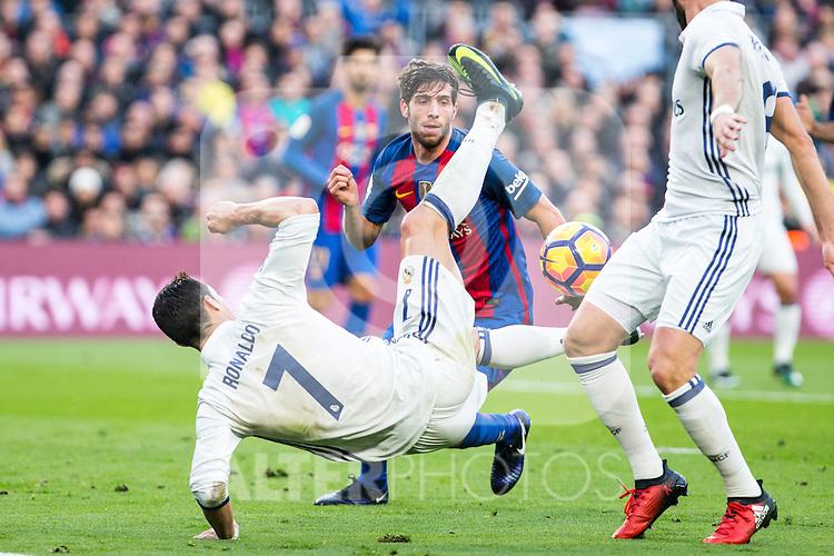Real Madrid's Cristiano Ronaldo during spanish La Liga match between Futbol Club Barcelona and Real Madrid  at Camp Nou Stadium in Barcelona , Spain. Decembe r03, 2016. (ALTERPHOTOS/Rodrigo Jimenez)