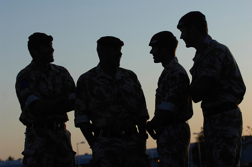 4 Parachute Regiment. Ministry of Defence.