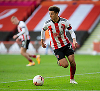 31st October 2020; Bramall Lane, Sheffield, Yorkshire, England; English Premier League Football, Sheffield United versus Manchester City; Ethan Ampadu of Sheffield United breaks with the ball looking forward for a pass