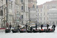 Gondole sul Canal Grande a Venezia.<br /> Gondolas on the Grand Canal in Venice.<br /> UPDATE IMAGES PRESS/Riccardo De Luca