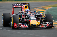March 14, 2015: Daniel Ricciardo (AUS) #3 from the Infiniti Red Bull Racing team rounds turn two during qualification at the 2015 Australian Formula One Grand Prix at Albert Park, Melbourne, Australia. Photo Sydney Low