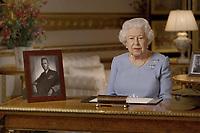 La reine Élisabeth II s'est employée à remonter le moral des Britanniques, durement touchés par la pandémie de coronavirus, en leur rappelant qu'ils ne devaient « jamais perdre espoir », lors d'un discours diffusé vendredi, jour de commémoration du 8 mai 1945.<br /> <br /> In this image taken from video and made available by Buckingham Palace, Britain's Queen Elizabeth II addresses the nation and the Commonwealth on the 75th anniversary of VE Day, from Windsor Castle in Windsor, England, Friday May 8, 2020. (Buckingham Palace