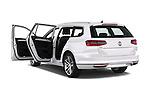 Car images of 2016 Volkswagen Passat-Variant GTE 5 Door wagon Doors