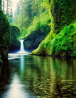 M00020M.tiff   Punch Bowl Falls. Columbia River Gorge National Scenic Area. Oregon