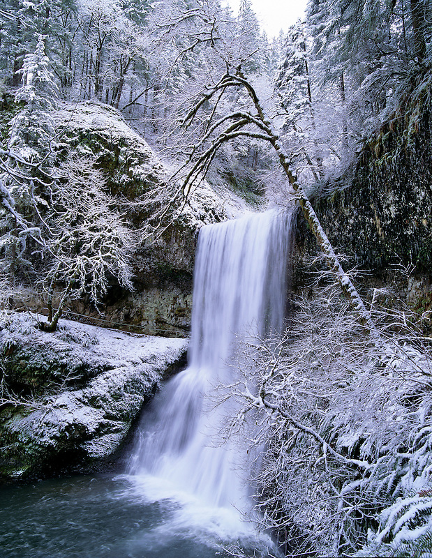 Lowe Silver Falls with snow. Silver Falls State Park. Oregon.