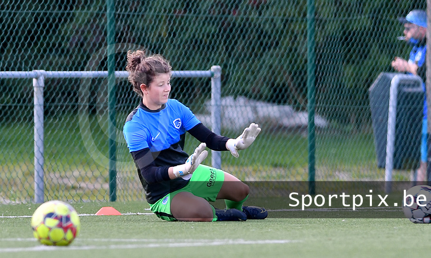 goalkeeper Maren Van Wijngaarden of Racing Genk pictured during a female soccer game between Club Brugge Dames YLA and Racing Genk Ladies on the second matchday of the 2020 - 2021 season of Belgian Scooore Women s SuperLeague , saturday 5 th of September 2020  in Brugge , Belgium . PHOTO SPORTPIX.BE | SPP | DAVID CATRY