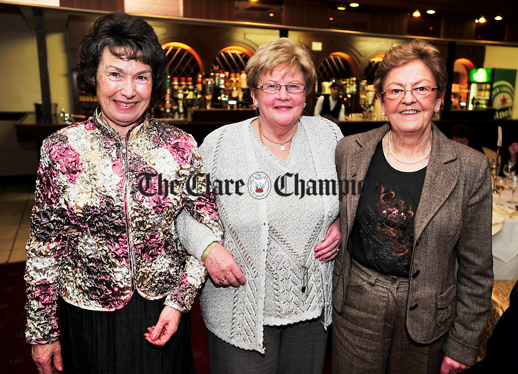 L-R Nancy Conroy, Caroline Monaghan and Mary Marlborough.Pic Arthur Ellis.