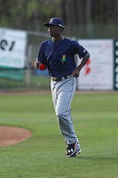 Cedar Rapids Kernels shortstop Nick Gordon (5) warms up prior to a game against the Wisconsin Timber Rattlers on May 4th, 2015 at Fox Cities Stadium in Appleton, Wisconsin.  Cedar Rapids defeated Wisconsin 9-3.  (Brad Krause/Four Seam Images)