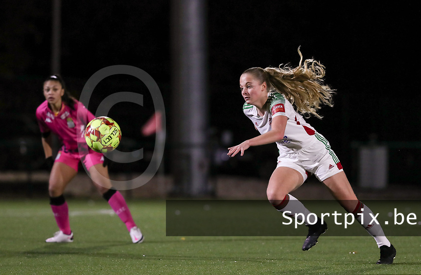 Tess Lameir (14 OHL)  in action during a female soccer game between Oud Heverlee Leuven and Sporting de Charleroi on the seventh matchday of the 2020 - 2021 season of Belgian Womens Super League , sunday 15 th of November 2020  in Heverlee , Belgium . PHOTO SPORTPIX.BE | SPP | SEVIL OKTEM