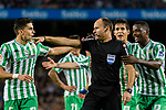 Referee Antonio Miguel Mateu Lahoz argues with Marc Bartra Aregall of Real Betis during the La Liga 2018-19 match between FC Barcelona and Real Betis at Camp Nou, on November 11 2018 in Barcelona, Spain. Photo by Vicens Gimenez / Power Sport Images