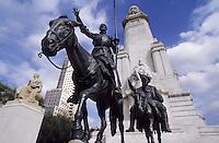 Europe/Espagne/Castille/Madrid : Place d'Espagne - Fontaine et statues de Servantès, de Don Quichotte de la Mancha sur Rossinante et de son écuyer Sancho Pança sur l'âne