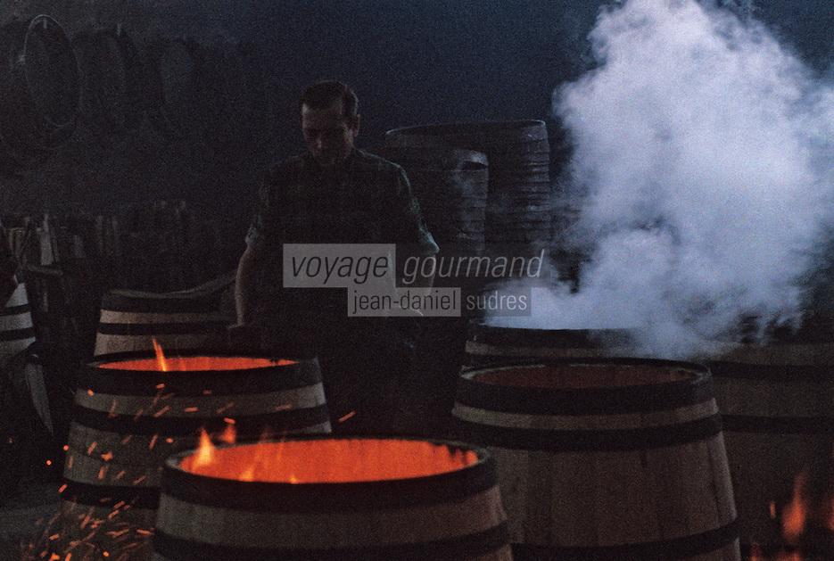 Europe/France/Poitou-Charentes/16/Charente/Cognac/Tonnellerie Seguin Moreau: Chauffe et bousinage<br /> PHOTO D'ARCHIVES // ARCHIVAL IMAGES<br /> FRANCE 1990