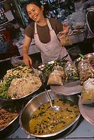 Asie/Thaïlande/Chiang Mai : Sur le marché, étal plats à base de légumes