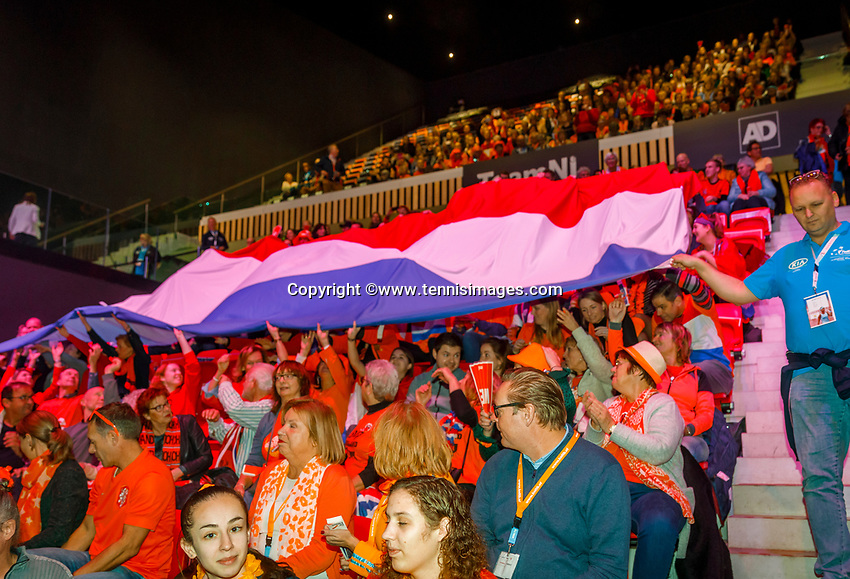The Hague, The Netherlands, Februari 7, 2020,    Sportcampus, FedCup  Netherlands -  Balarus, Opening, Dutch flag comes down from the stands<br /> Photo: Tennisimages/Henk Koster