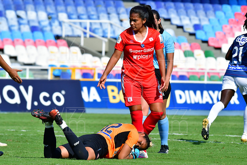 CALI – COLOMBIA, 02-11-2020: Jugadoras del América y Junior en acción durante partido por la Fecha 3 de la Liga Femenina BetPlay DIMAYOR 2020 entre América de Cali y Atlético Junior jugado en el estadio Pascual Guerrero de la ciudad de Cali. / Players of America and Junior in action during match for the date 3 as part of Women's BetPlay DIMAYOR League 2020 between America de Cali and Atletico Junior played at Pascual Guerrero stadium in Cali. Photos: VizzorImage / Nelson Rios / Cont /