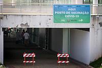 Paulínia (SP), 03/03/2021 - Vacina-SP - Fila enorme de carros no drive-thru para vacinação contra a covid19 no parque Brasil 500 em Paulínia, interior de São Paulo, nesta quarta-feira (03). O ponto de vacinação é no tunel do Theatro Municipal Paulo Gracindo e poderão se vacinar idosos com 77 a 79 anos que vão receber a primeira dose e idosos com 90 anos ou mais que vão receber a segunda dose.