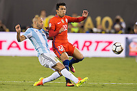 Action photo during the match Argentina vs Chile, Corresponding to Great Final of the America Centenary Cup 2016 at Metlife Stadium, East Rutherford, New Jersey.<br /> <br /> <br /> Foto de accion durante el partido Argentina vs Chile, correspondiente a la Gran Final de la Copa America Centenario 2016 en el  Metlife Stadium, East Rutherford, Nueva Jersey, en la foto: (i-d) Javier Mascherano de Argentina y Edson Puch de Chile<br /> <br /> <br /> 26/06/2016/MEXSPORT/Jorge Martinez.