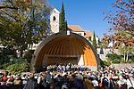 Italien, Suedtirol, bei Meran, Schenna: Ortszentrum, Kurkonzert | Italy, South Tyrol, Alto Adige, near Merano, Scena: village centre, spa concert