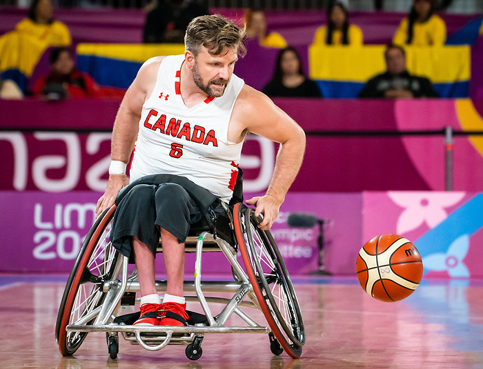 Bo Hedges, Lima 2019 - Wheelchair Basketball // Basketball en fauteuil roulant.<br /> Men's wheelchair basketball takes on Colombia in the semifinal game // Le basketball en fauteuil roulant masculin affronte la Colombie en demi-finale. 30/08/2019.