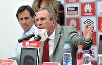 BOGOTA - COLOMBIA- 10-06-2015: Gerardo Pelusso, de Uruguay,  es el  nuevo técnico de Independiente Santa Fe,  durante rueda de prensa en la sede del Club. Pelusso,  uruguayo de 60 años ha trabajado en clubes como la Universidsd de Chile, Olimpia   de Paraguay, Nacional  de Uruguay y la Selección  de Paraguay,  firmo contrato inicialmente por un año.  / Gerardo Pelusso, of Uruguay, is the new coach of Independiente Santa Fe, during a press conference in the clubhouse. Pelusso, Uruguayan, 60 years,  has worked in clubs like the Universidsd of Chile, Olimpia of Paraguay, Nacional of Uruguay and Paraguay Selection, signed contract initially for a year. Photo: VizzorImage / Luis Ramirez / Staff