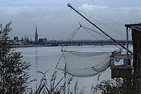 Europe/France/Aquitaine/33/Gironde/Bordeaux: Pêche au carrelet sur la Garonne