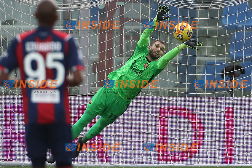 Pau Lopez of AS Roma saves during the Serie A football match between FC Crotone and AS Roma at stadio Ezio Scida in Crotone (Italy), January 6th, 2020. Photo Gino Mancini / Insidefoto