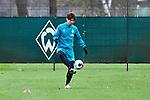 18.11.2020, Trainingsgelaende am wohninvest WESERSTADION,, Bremen, GER, 1.FBL, Werder Bremen Training, im Bild<br /> <br /> <br /> <br /> Yuya Osako (SV Werder Bremen #8) am Ball bei einer individuellen Einheit<br /> <br /> Foto © nordphoto / Gumz
