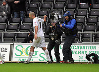 ATTENTION SPORTS PICTURE DESK<br /> Pictured:<br /> Re: npower Championship Swansea City FC v Crystal Palace at the Liberty Stadium, south Wales. Saturday 15 January 2011