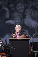 Mehrere hundert Menschen kamen zur Feierlichkeit anlaesslich des 70. Jahrestages der Befreiung des Frauen-Konzentrationslagers Ravensbrueck, unter ihnen auch die Bundesminsiterin fuer Bildung, Johanna Wanka. Von den ueber 120.000 Frauen und 20.000 Maennern, die im Nationalsozialismus in dem Konzentrationslager inhaftiert waren leben 70 Jahre nach der Befreiung durch die Rote Armee nur noch 160. Viele der Ueberlebenden waren u.a. aus Frankreich, Norwegen, Polen, Spanien, Slovakei und Italien angereist.<br /> Im Anschluss an die offiziellen Reden wurden Kraenze am Manhmal am Schwedter See niedergelegt. In dem See wurde in der NS-Zeit die Asche der ermordeten gekippt.<br /> Im Bild: Dr. Annette Chalut, Praesidentin des Internationalen Ravensbrueck-Komitees.<br /> 19.4.2015, Ravensbrueck/Brandenburg<br /> Copyright: Christian-Ditsch.de<br /> [Inhaltsveraendernde Manipulation des Fotos nur nach ausdruecklicher Genehmigung des Fotografen. Vereinbarungen ueber Abtretung von Persoenlichkeitsrechten/Model Release der abgebildeten Person/Personen liegen nicht vor. NO MODEL RELEASE! Nur fuer Redaktionelle Zwecke. Don't publish without copyright Christian-Ditsch.de, Veroeffentlichung nur mit Fotografennennung, sowie gegen Honorar, MwSt. und Beleg. Konto: I N G - D i B a, IBAN DE58500105175400192269, BIC INGDDEFFXXX, Kontakt: post@christian-ditsch.de<br /> Bei der Bearbeitung der Dateiinformationen darf die Urheberkennzeichnung in den EXIF- und  IPTC-Daten nicht entfernt werden, diese sind in digitalen Medien nach §95c UrhG rechtlich geschuetzt. Der Urhebervermerk wird gemaess §13 UrhG verlangt.]
